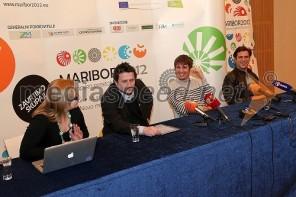 Med novinarsko konferenco 2CELLOS v Mariboru