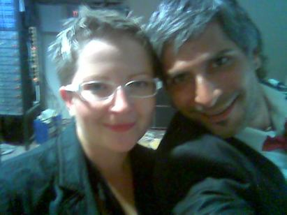 Z igralcem Sebastianom Cavazzo na otvoritveni slovesnosti Galerije Gosposka in gostinstva Rožmarin